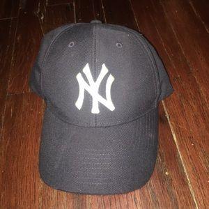 Yankee baseball hat